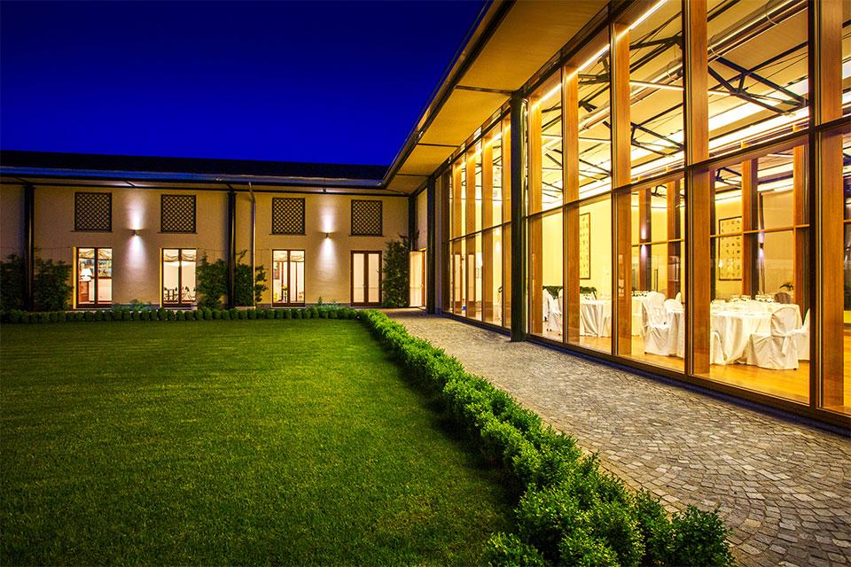 Villa-Sant'Uberto---sala-ricevimenti-e-corte-interna