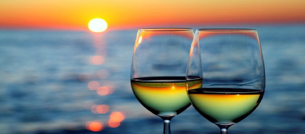 cropped-sunsetwineglasses