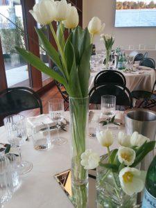 Mise en place tulipani bianchi